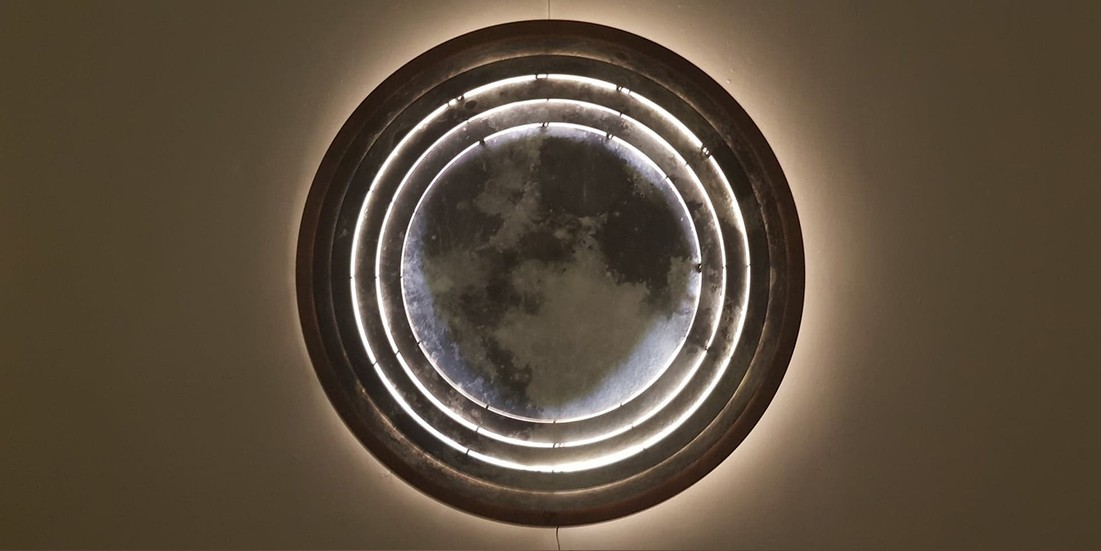 divine light / full moon 1 / design / goin2 / yannick hervy